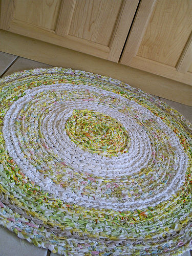 Rag rugs are simple to make and beautiful to look at.