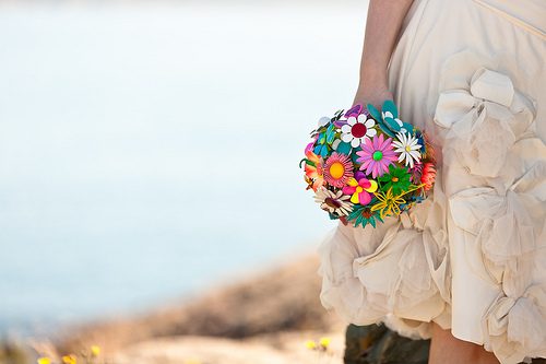 A bouquet made up entirely of daisy shaped brooches is both fun and stylish.