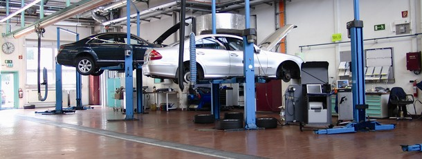 Mercedes Servicing And Distribution For Proper Running Of Your Prestigious Car
