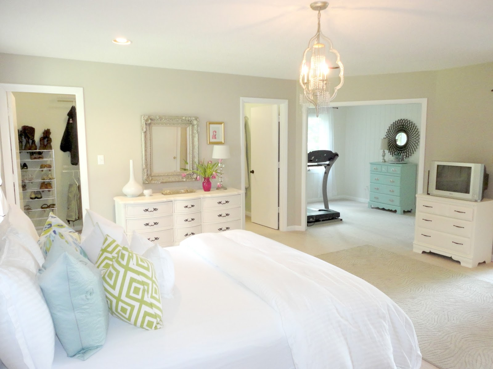 Different Ways Of Deciding Who Gets The Small Bedroom