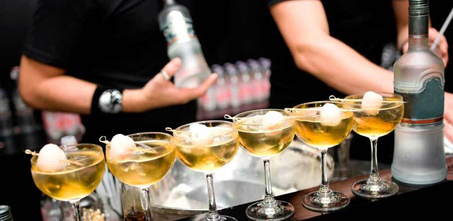 Bartending 101: The Tips To Becoming The Best Version Of Your Bartender Self