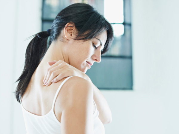 5 Helpful Tips To Prevent Straining Your Neck Muscles