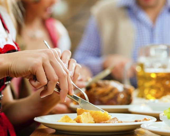 5 Tricks For Eating Healthy When You Dine Out