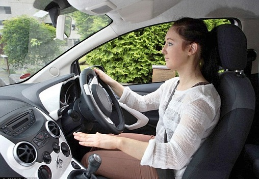 What To Expect From Your Very First Driving Lesson