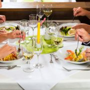 5 Tips To Help You Eat Healthy At Restaurant