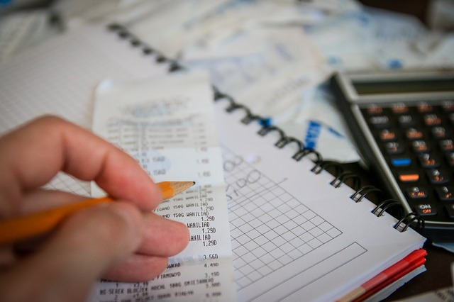 Tips On Saving Money and Time On Your Monthly Expenses