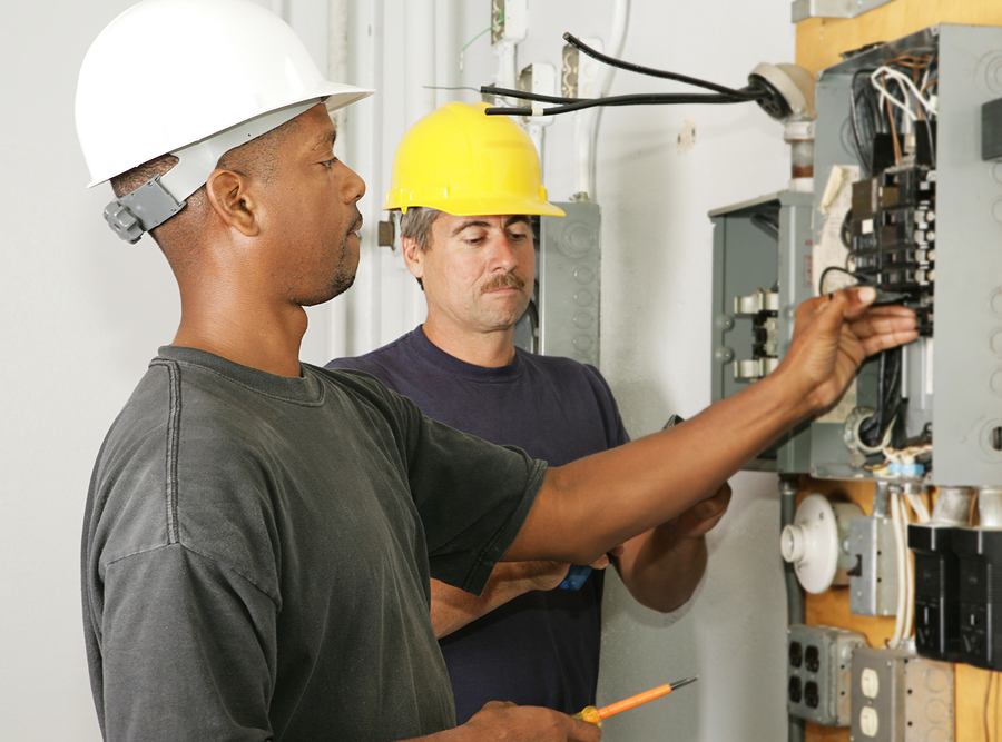 Pursuing a Career as Electric Technician: 4 Things You Ought To Know