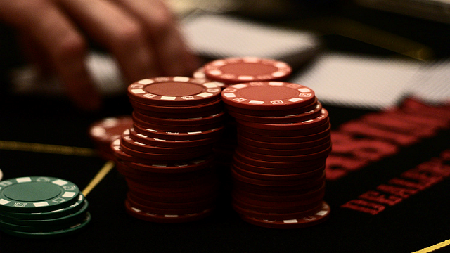 Gambling Addiction: A Problem That Ruins Your Relationships