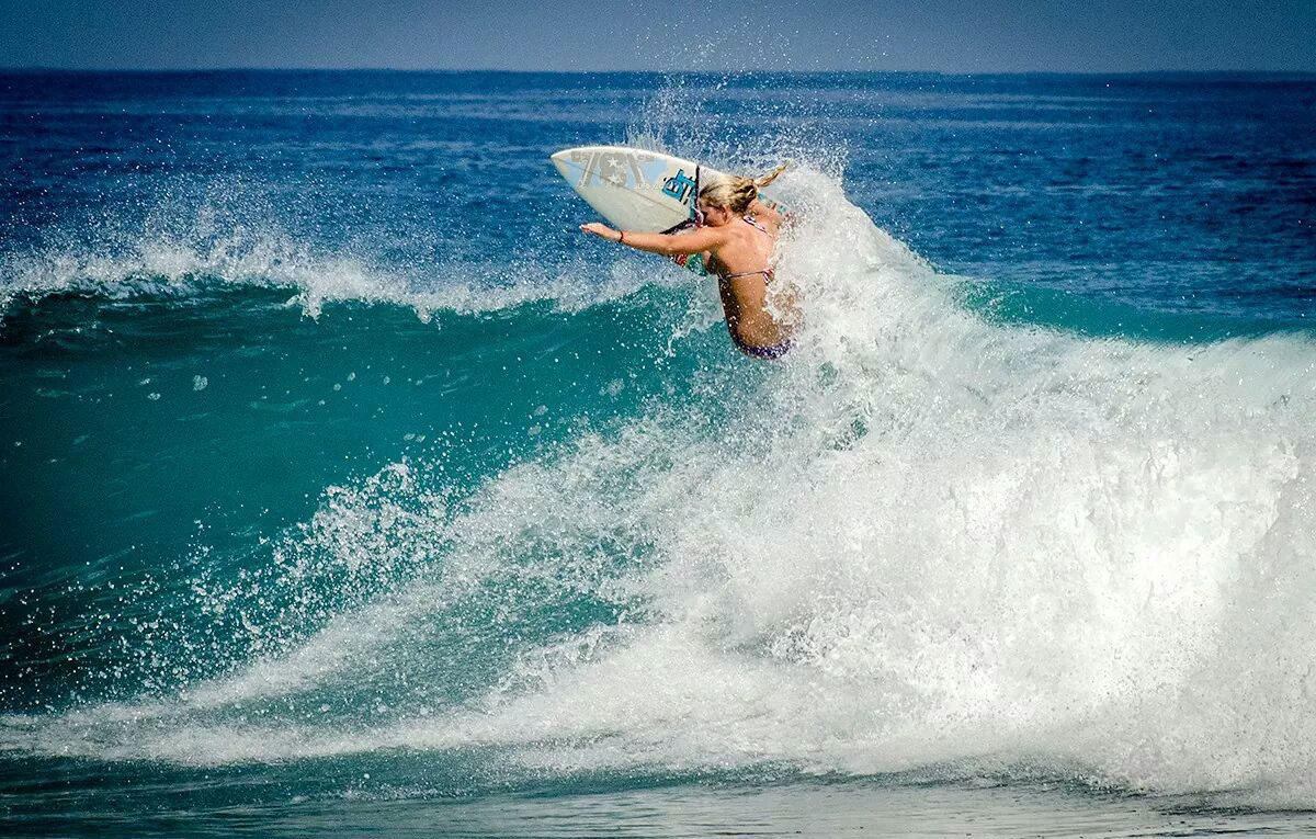 5 Things To Expect When Taking Up Surfing Lessons