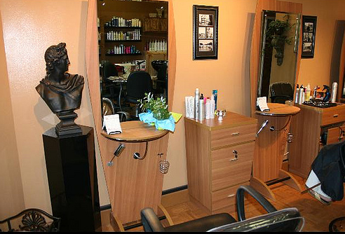 Get Your Salon Up And Running With These Salon Basic Equipment Guides