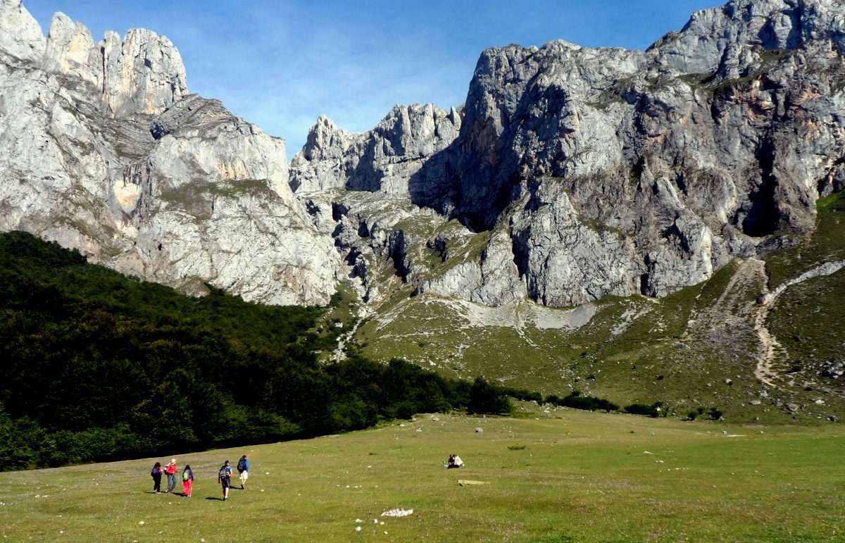 Enlivening and Enlightening: Modern Walking Holidays In Spain