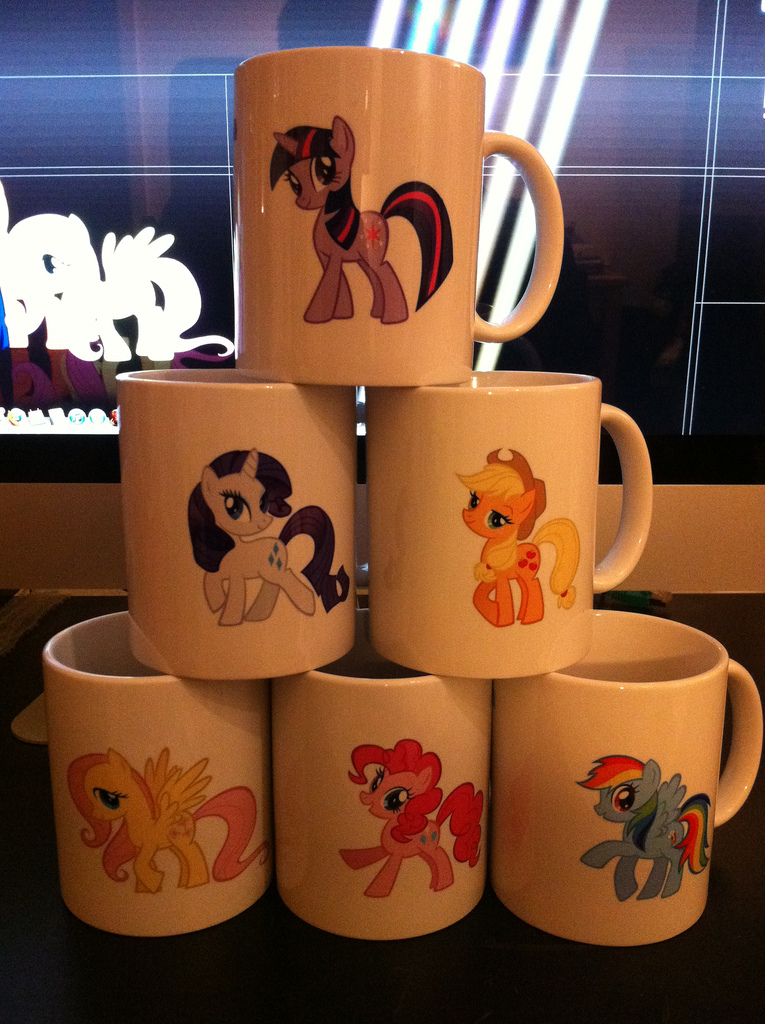 Printed Mugs: Multiple Variations To Choose From