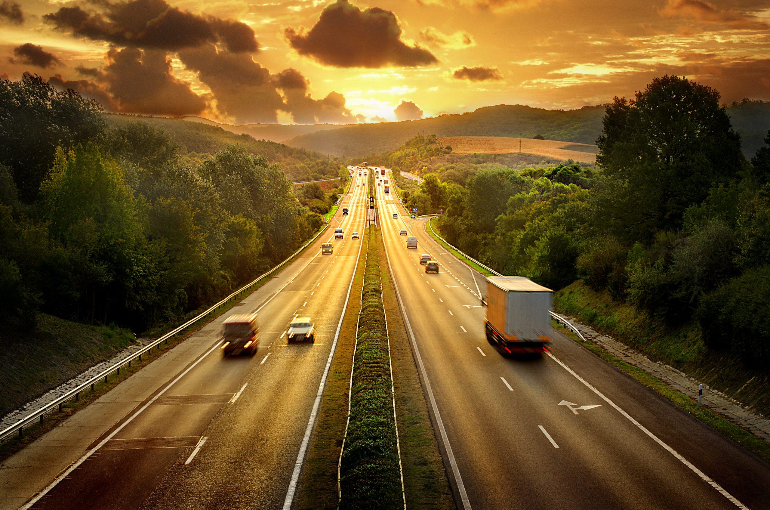 Risky Freeway: 4 Keys To Safe High-Speed Travels