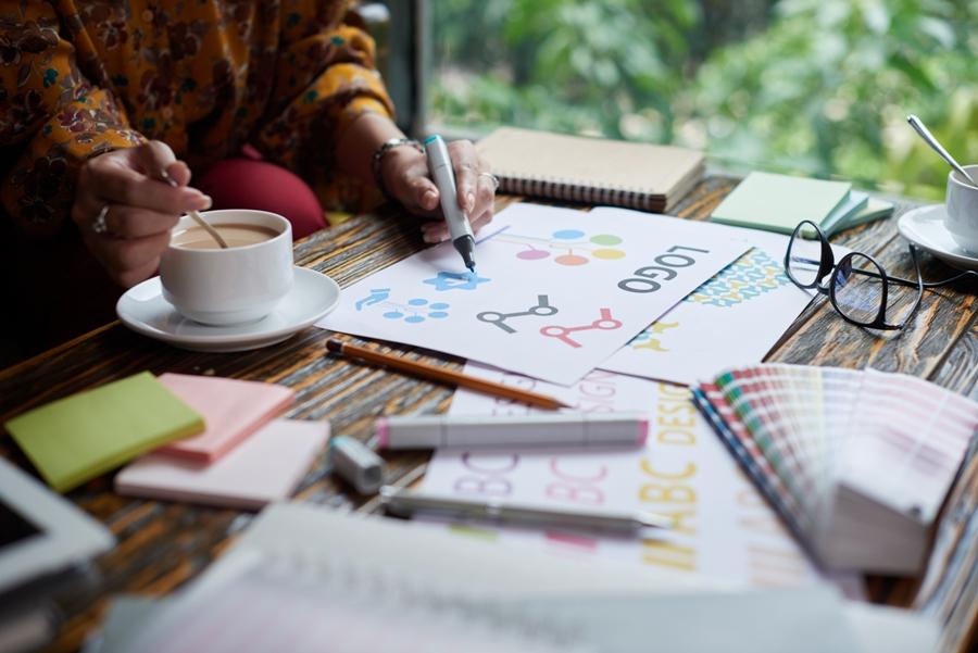 Custom Logo Design A Comprehensive Analysis (2)