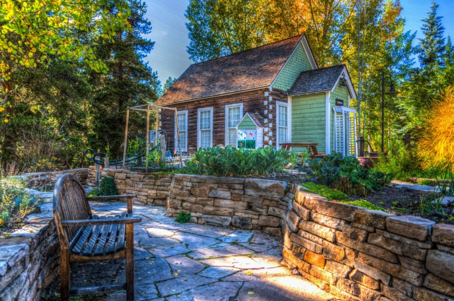 Functional Features: Tricks To Improve Your Home's Hardscaping