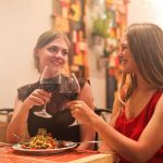 Foodie Friends: How to Find the Best Restaurants on Vacation